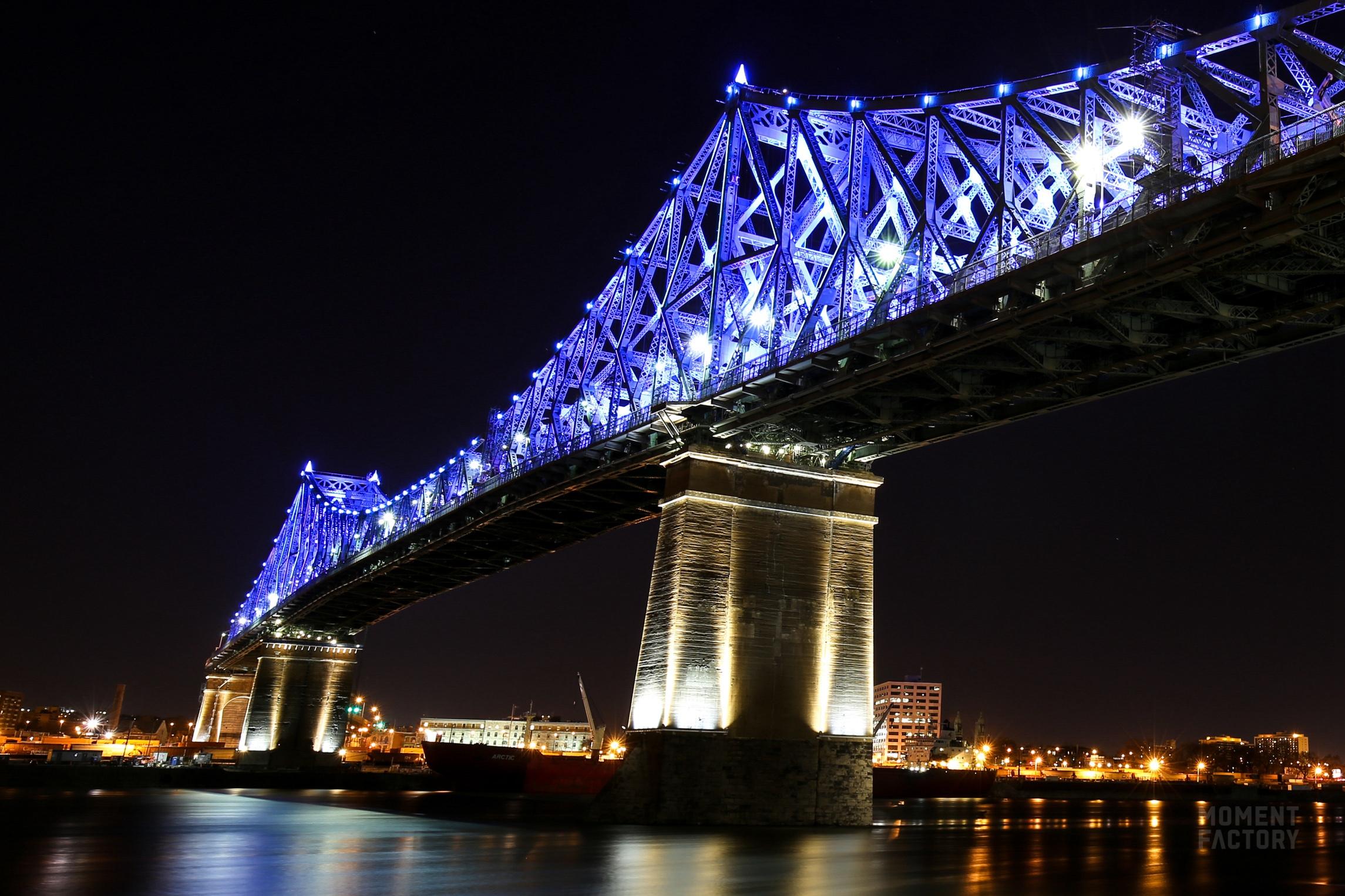 飞利浦照明用动态建筑照明点亮雅克・卡蒂埃大桥,为蒙特利尔注入新的活力
