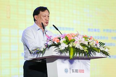 人物图2-中国建筑装饰协会执行会长、秘书长刘晓一