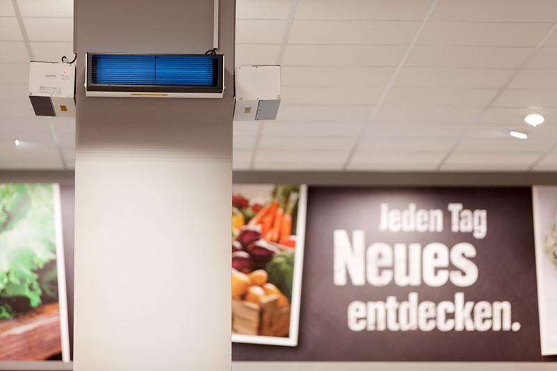【新闻图片】德国汉堡EDEKA Clausen超市安装昕诺飞UV-C紫外线产品,为员工与顾客健康保驾护航 (1)_副本