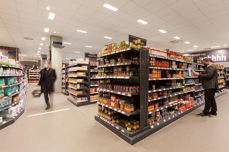 【新闻图片】德国汉堡EDEKA Clausen超市安装昕诺飞UV-C紫外线产品,为员工与顾客健康保驾护航_副本