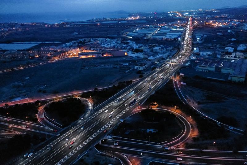 【新闻图片】昕诺飞为大加那利岛的主干高速公路安装Interact City智能互联道路照明系统-1